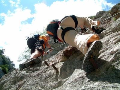 Napsütés, alpesi táj és mászás a Hias klettersteigen (D)